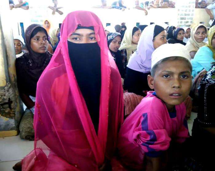 Tolong! Panggilkan Khalifah untuk Perempuan Rohingya!